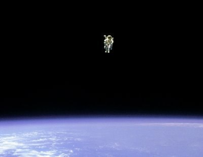 astronaut untethered space walk - photo #13
