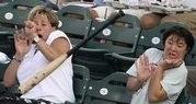 Photo of people flinching at a flying baseball bat / Boing ...