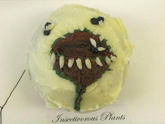 insectplantcupcake.jpg