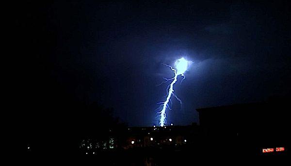 lightningblue.jpg