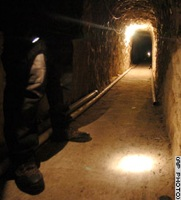 Cnn 2006 Us 01 26 Mexico.Tunnel Vert.Tunnel.Police.Ap