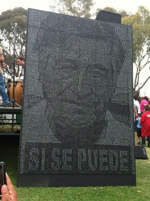 Cesar chavez mural made of 5500 dominos boing boing for Cesar chavez mural