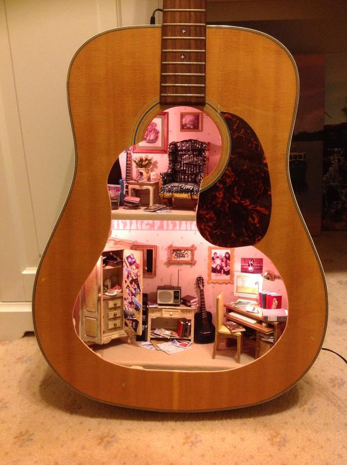 Dollhouse in a guitar body boing boing - Bbs dollhouse ...
