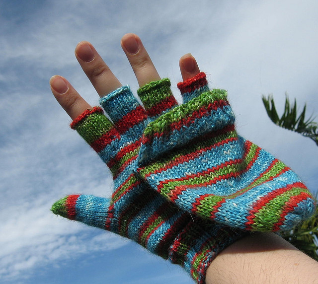 Gloves With Fingertips Out: Science Proves That You Should Wear Glittens / Boing Boing