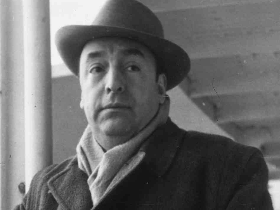 Remains of poet pablo neruda exhumed to determine if he for Jardin pablo neruda