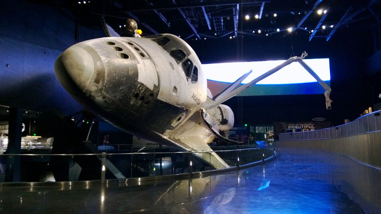 Space Shuttle Atlantis exhibit at Kennedy Space Center ...