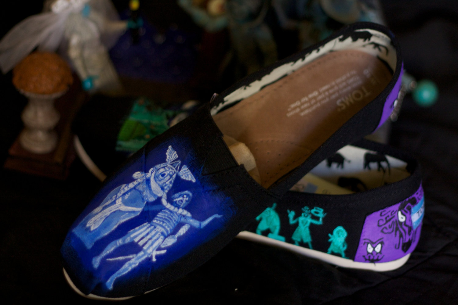 Who Sells Toms Shoes Online