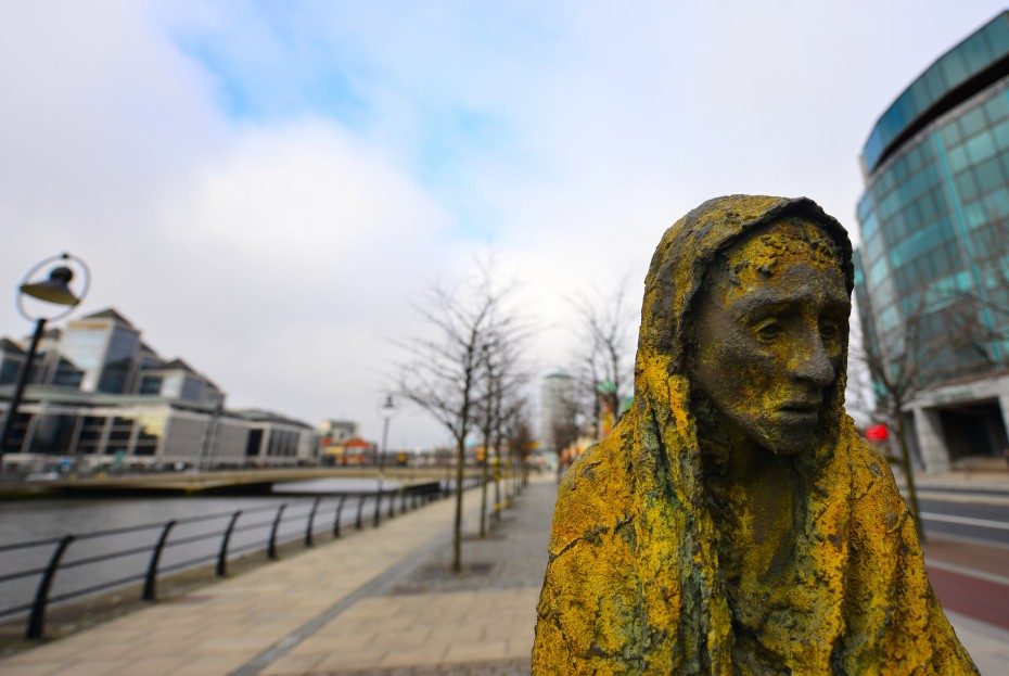 Photo of female statue from 'Famine' by Rowan Gillespie