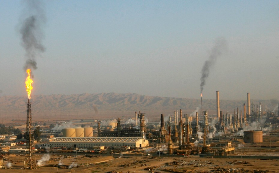 The refinery in Baiji, northwest of Baghdad, in 2009. [Reuters]