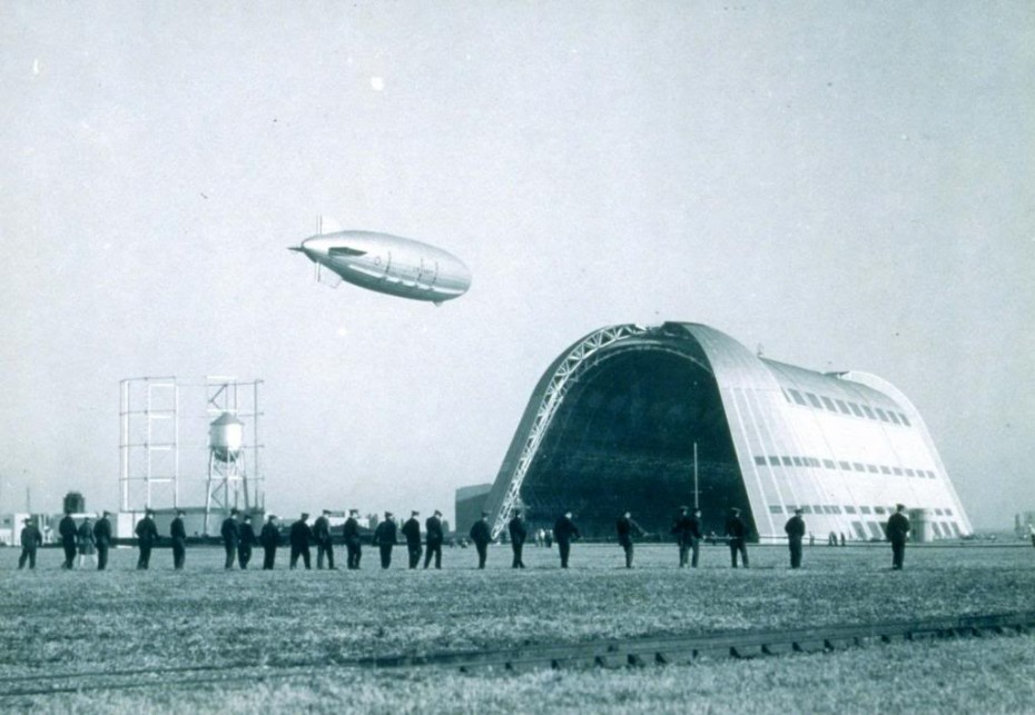 Dirigible U.S.S. Macon arrives at Moffet's Hangar One, Oct. 5, 1934, from Opalocka, Florida.. (U.S. Navy Photo)