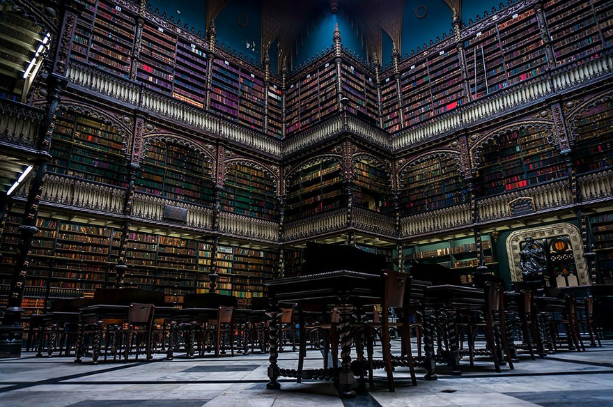 amazing-libraries-20__880-1